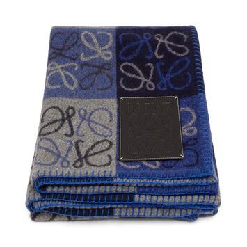 LOEWE 135X170 Anagram Blanket Blue Multitone/Black front