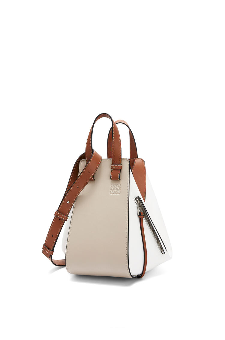 LOEWE Small Hammock bag in classic calfskin Light Oat/Soft White pdp_rd