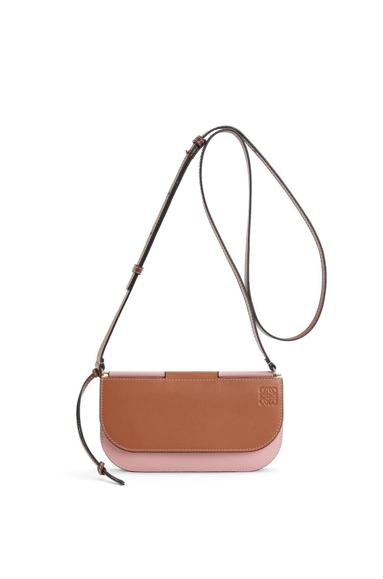 LOEWE Gate pochette in smooth calfskin Tan/Medium Pink pdp_rd