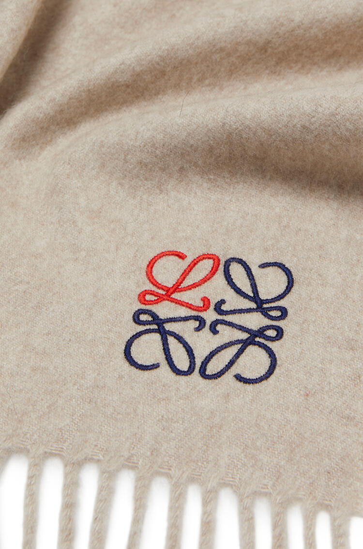 LOEWE Anagram scarf in cashmere ベージュ pdp_rd