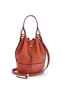 LOEWE Balloon bag in grained calfskin Pumpkin pdp_rd