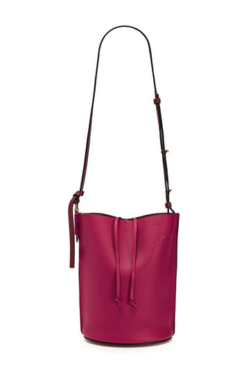 LOEWE Gate Bucket Bag Raspberry/Wine front