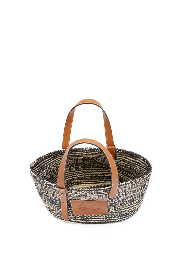LOEWE Basket bag in sisal and calfskin Black/Tan pdp_rd