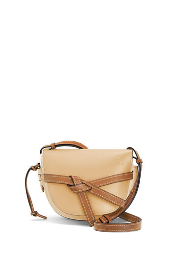 LOEWE Small Gate bag in soft calfskin Dune/Vanilla pdp_rd
