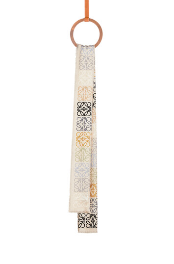 LOEWE 45X200 スカーフアナグラムINライン Multicolor/Caramel  front