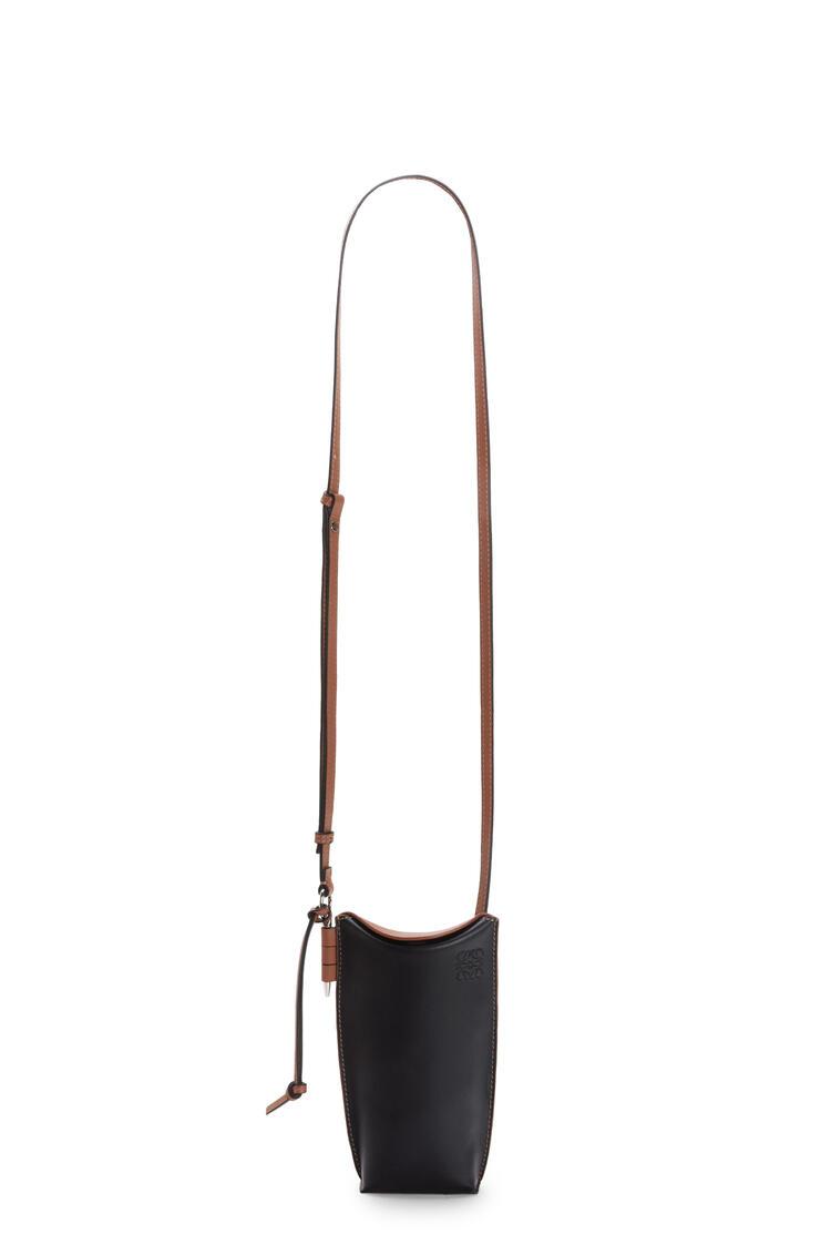 LOEWE Gate pocket in soft calfskin Black/Tan pdp_rd