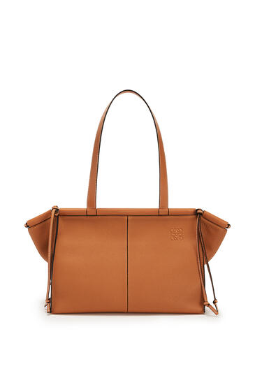 LOEWE Small Cushion Tote bag in soft grained calfskin Light Caramel pdp_rd