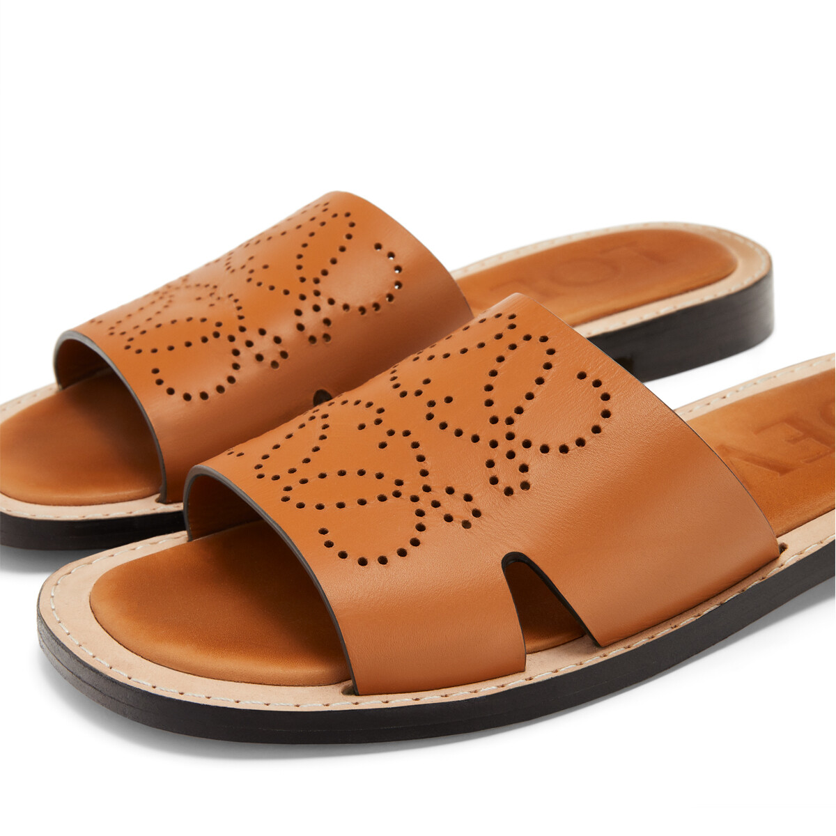 LOEWE Perforated Anagram Mule ライトキャラメル front