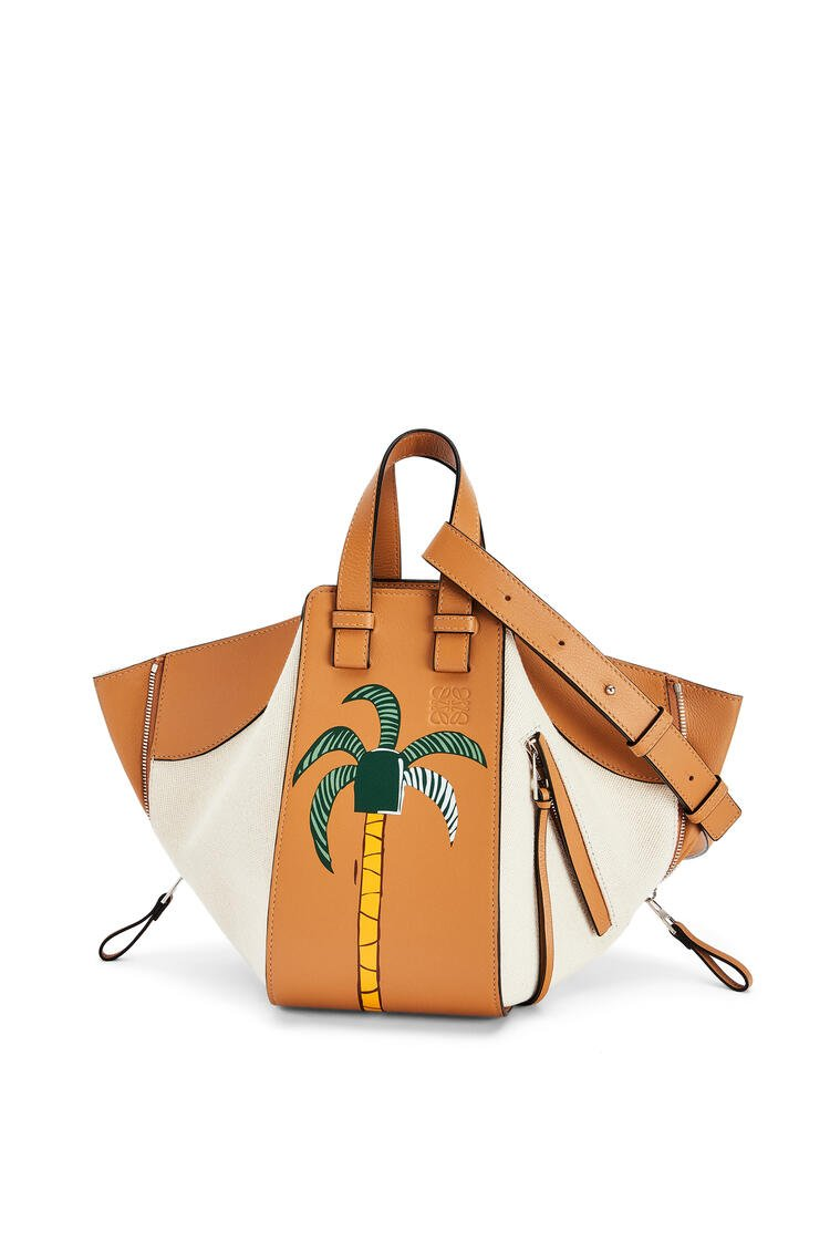 LOEWE Small La Palme Hammock bag in canvas and calfskin Amber/Natural pdp_rd