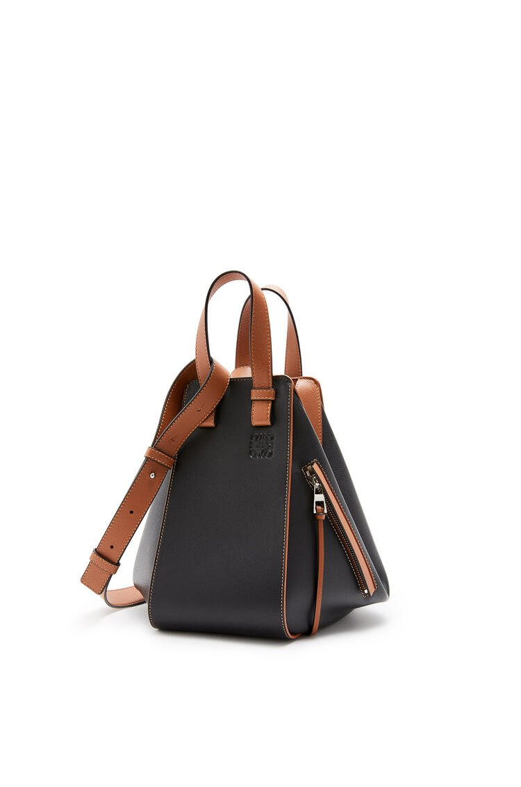LOEWE Small Hammock bag in classic calfskin Black/Tan pdp_rd