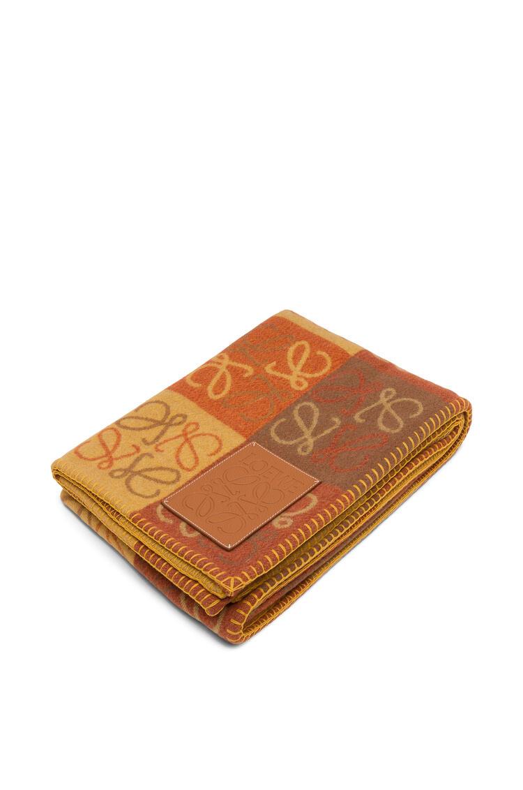 LOEWE 135 x 170 Anagram blanket in wool Orange Multitone/Tan pdp_rd
