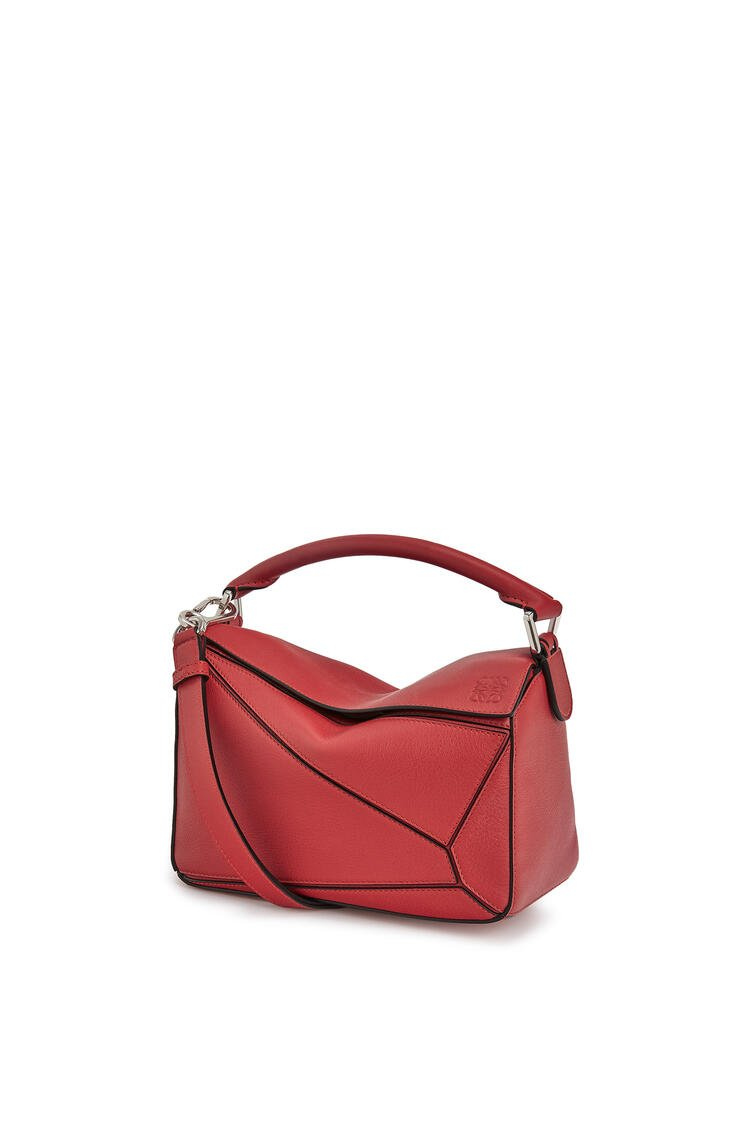 LOEWE Small Puzzle bag in classic calfskin Pomodoro pdp_rd