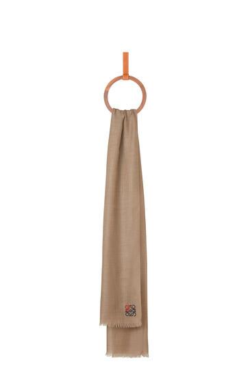 LOEWE 70 x 200 cm LOEWE anagram scarf in cashmere Beige pdp_rd