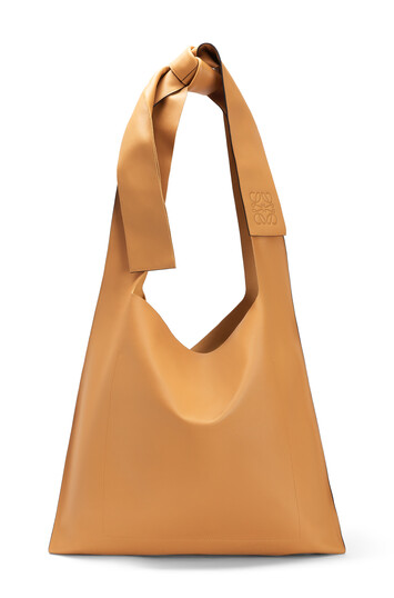 LOEWE ボーバッグ ライトキャラメル front