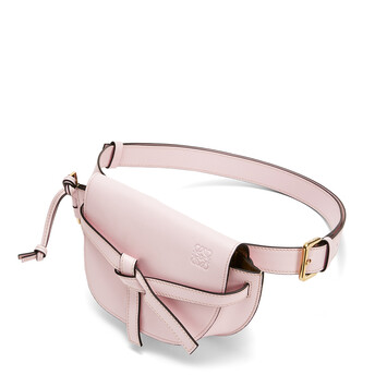 LOEWE ゲート バンバッグ Icy Pink front