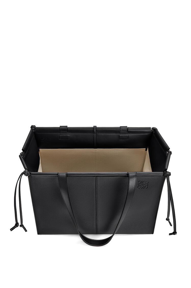 LOEWE Bolso Cushion Tote en piel de ternera de grano suave Negro pdp_rd