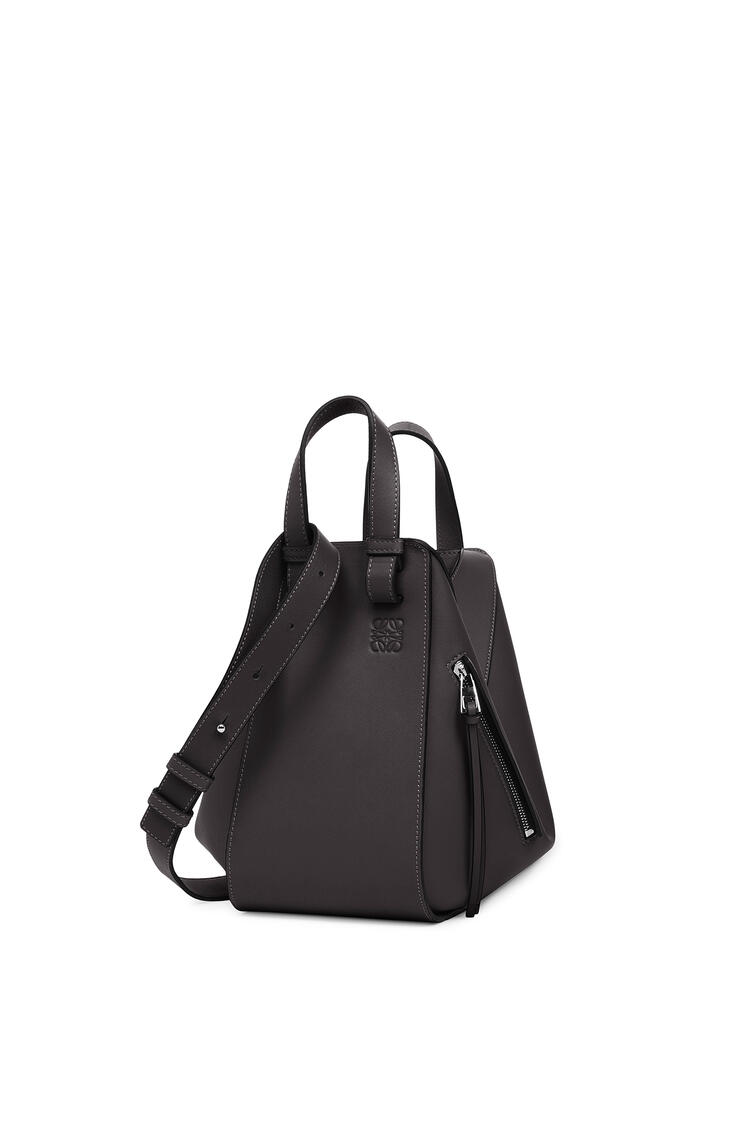 LOEWE Small Hammock bag in classic calfskin Black pdp_rd