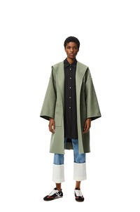 LOEWE Abrigo en lana y cachemira con capucha y cinturón Salvia pdp_rd