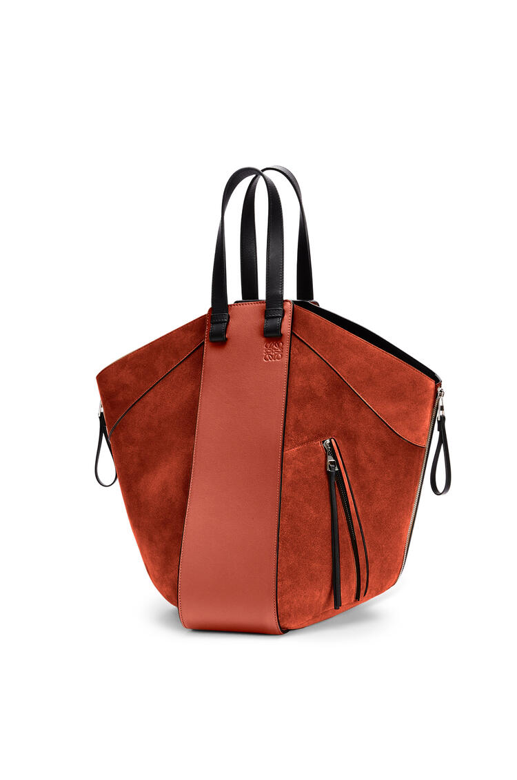 LOEWE Hammock tote bag in calfskin and suede Dark Rust/Black pdp_rd