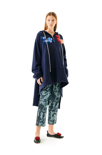 LOEWE Embroidered Oversize Hoodie Animals 海軍藍 front