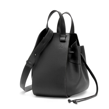 LOEWE Hammock Drawstring Medium Bag 黑色 front
