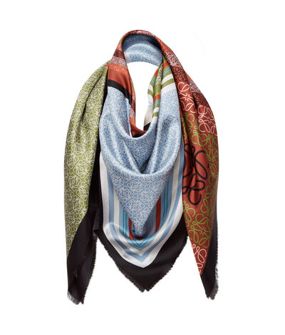 LOEWE 140X140 Scarf Patchw Anagram Red/Multicolour front