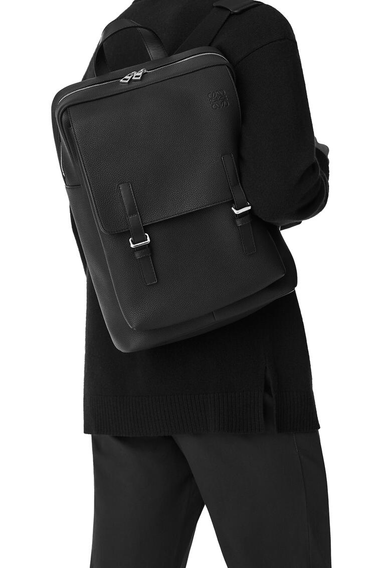 LOEWE Military Backpack in soft grained calfskin Anthracite pdp_rd