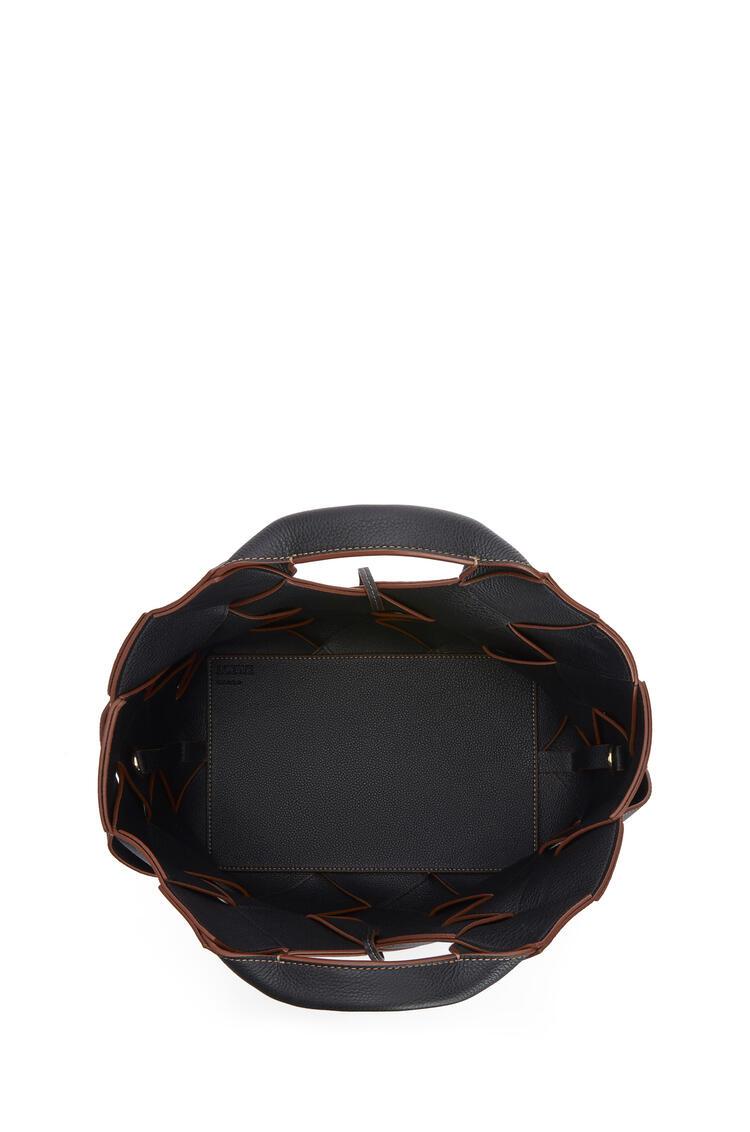 LOEWE ウーブン バスケットバッグ(ソフト グレイン カーフスキン) ブラック/タン pdp_rd