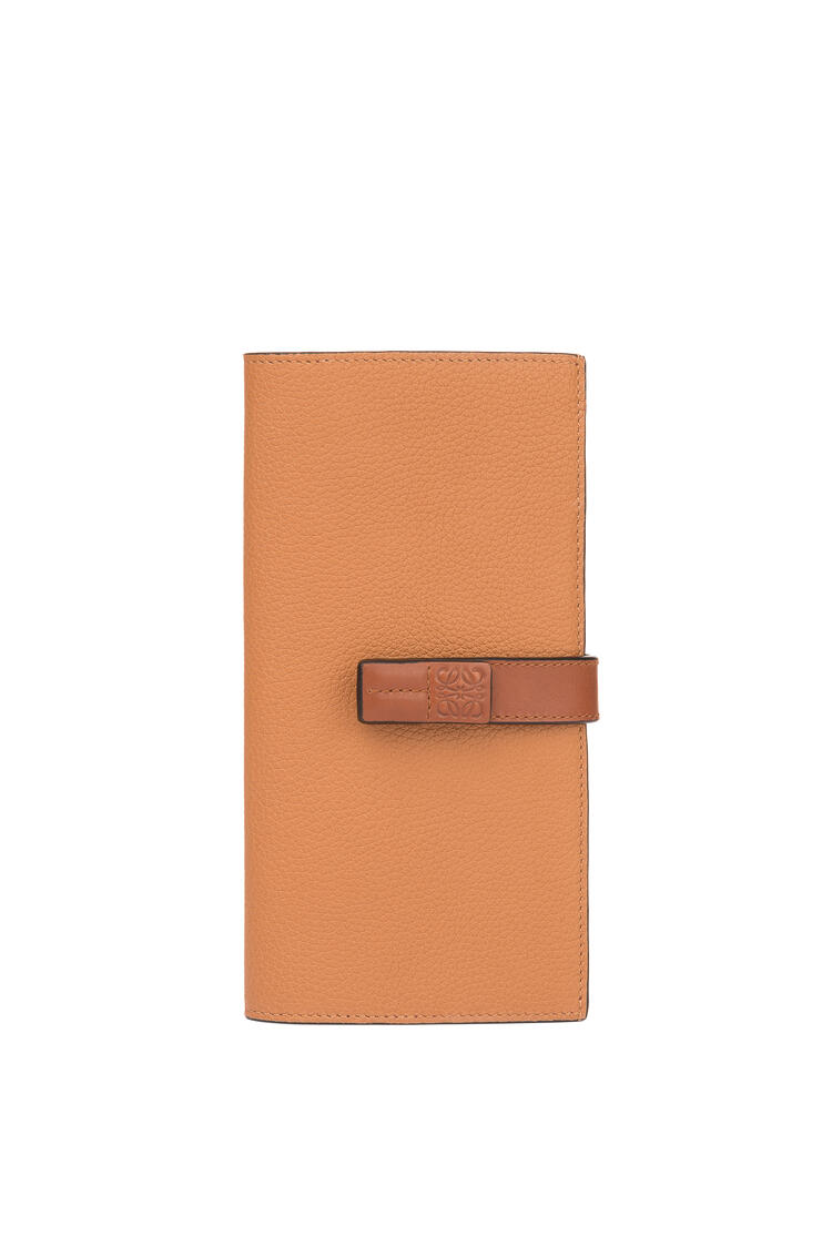 LOEWE Large vertical wallet in soft grained calfskin Light Caramel/Pecan pdp_rd