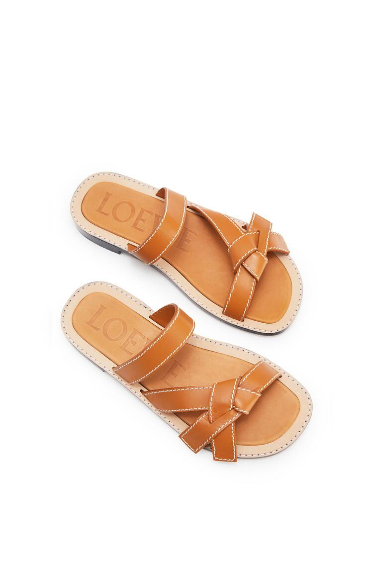 LOEWE Gate flat sandal in calfskin Light Caramel pdp_rd