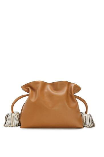 LOEWE Flamenco clutch bell tassel in nappa calfskin Warm Desert/Soft White pdp_rd