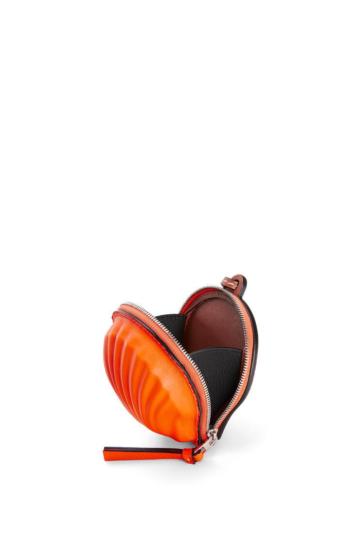 LOEWE Mini seashell pouch in classic calfskin Neon Orange pdp_rd