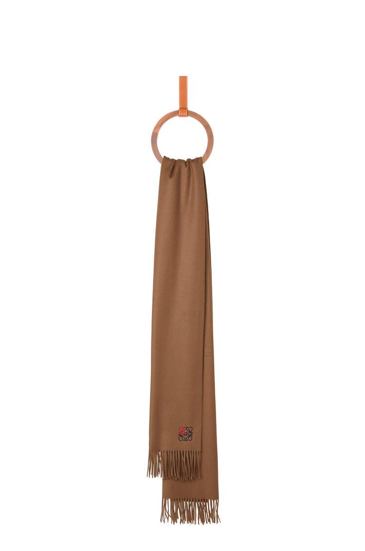 LOEWE 70 x 200 cm LOEWE anagram scarf in cashmere 駝色 pdp_rd