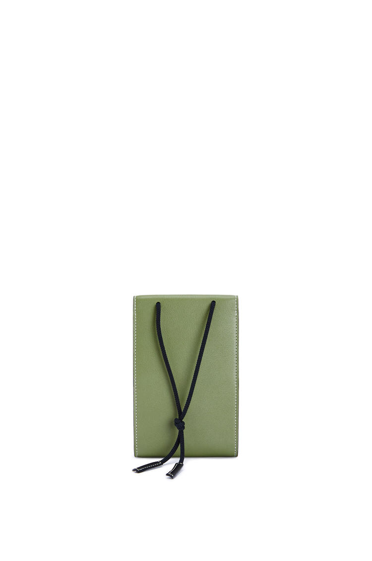 LOEWE Minibolso Neck en piel de ternera clásica Verde Kaki pdp_rd