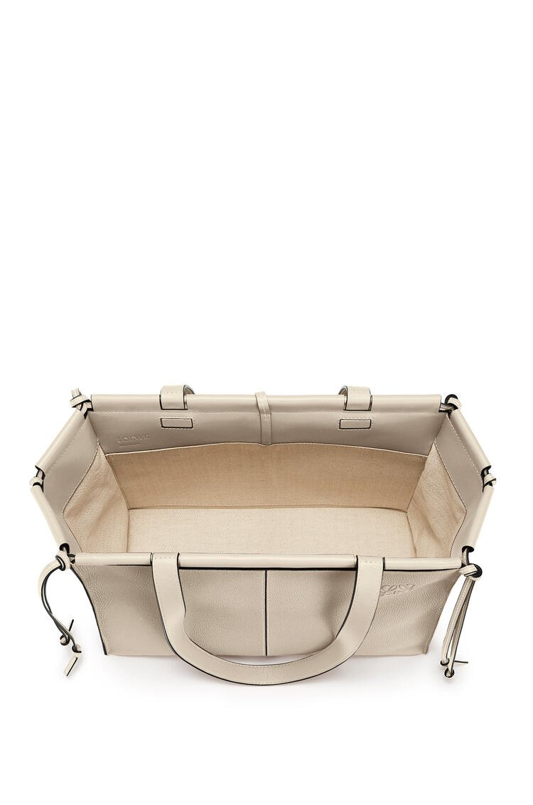 LOEWE 小号柔软粒面小牛皮 Cushion Tote 手袋 Light Oat pdp_rd