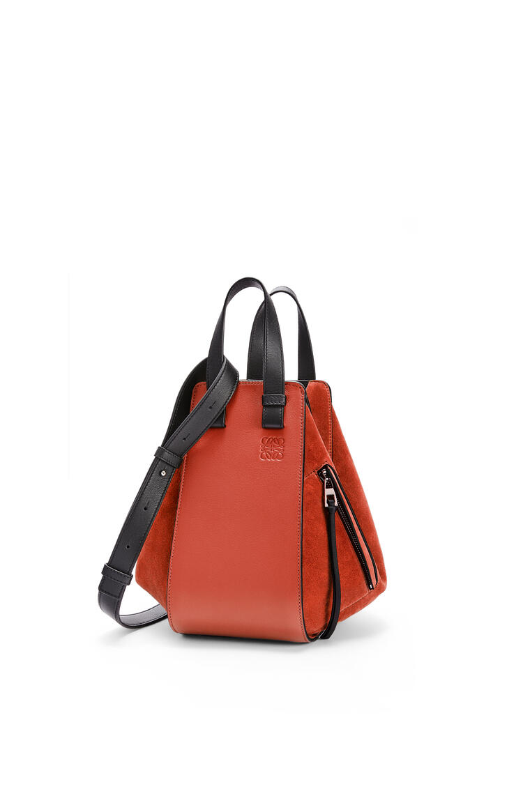 LOEWE Small Hammock bag in calfskin and suede Dark Rust/Black pdp_rd