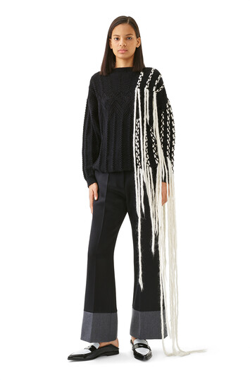 LOEWE Woven Fringe Sweater 黑色/白色 front