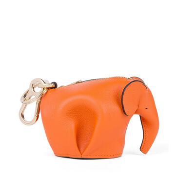 LOEWE Charm Elephant en piel de ternera clásica Naranja pdp_rd