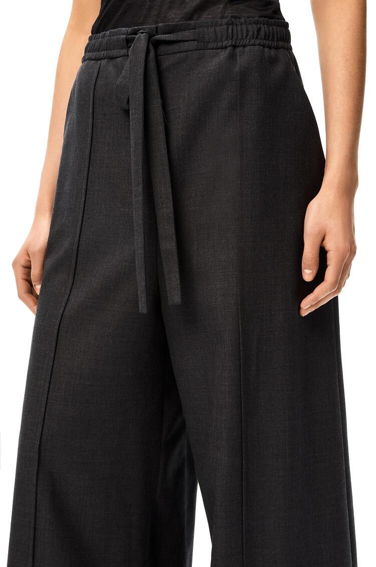 LOEWE Pantalón fluido en lana con cordón Gris Oscuro pdp_rd