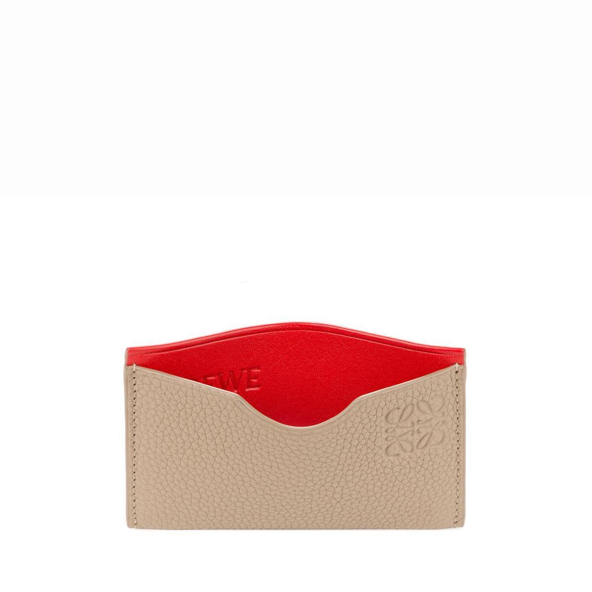 Simple, Titulaire De La Carte Dans Le Sable Et Veau Grainé Rouge Doux Et Loewe Box-calf