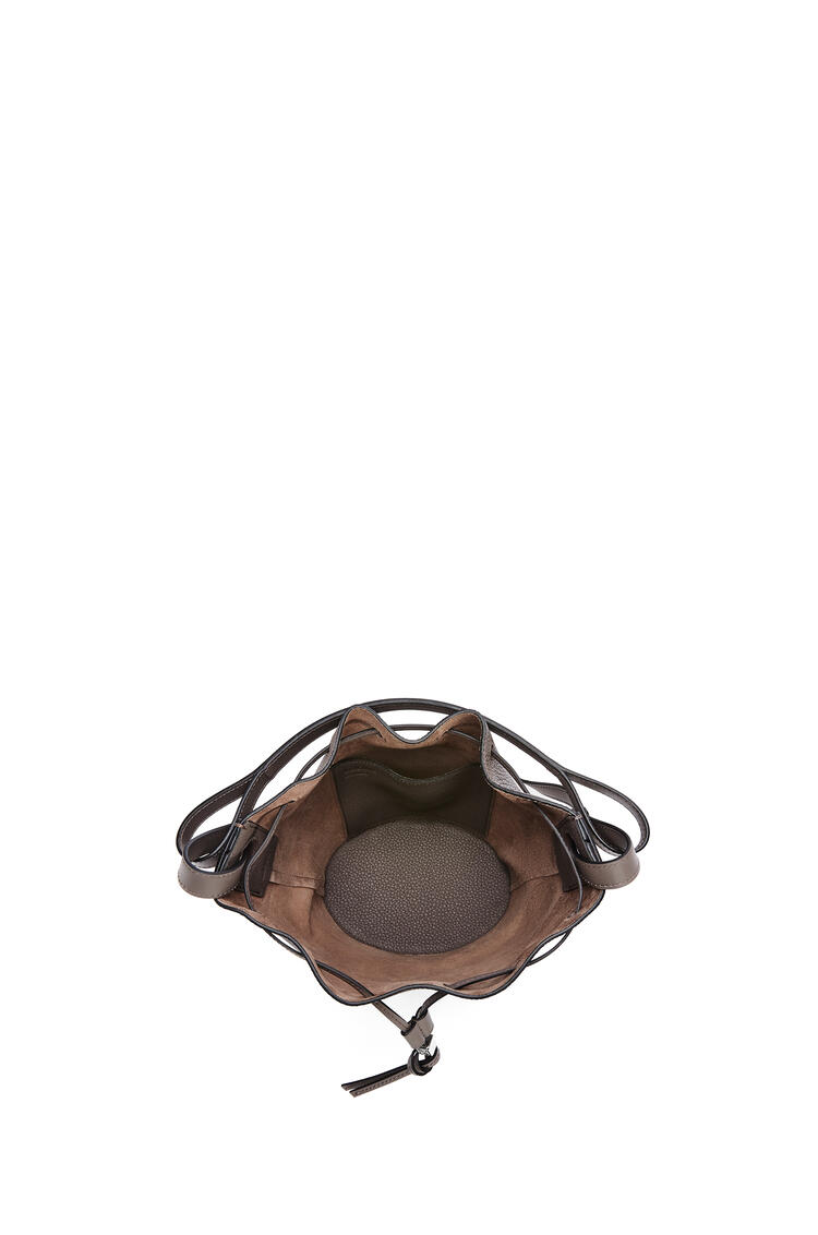 LOEWE Small Balloon bag in grained calfskin Taupe pdp_rd