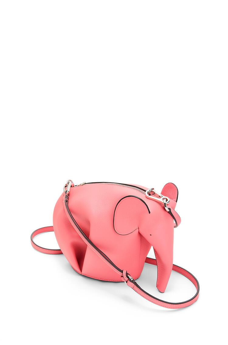 LOEWE Minibolso Elephant en piel de ternera clásica New Candy pdp_rd