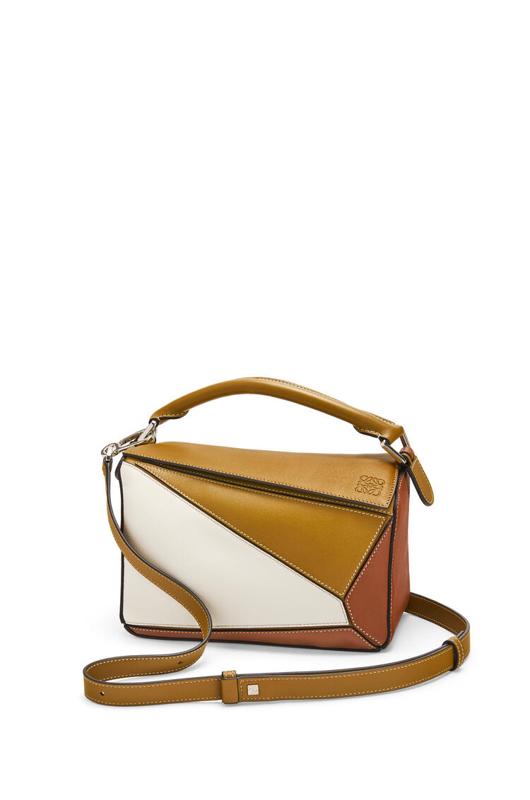 LOEWE Small Puzzle bag in classic calfskin Ochre Green/Soft White pdp_rd