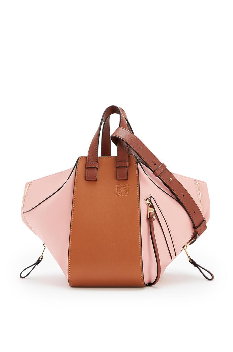 LOEWE Small Hammock Bag In Classic Calfskin Tan/Medium Pink pdp_rd