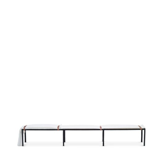 Set Long Bench With Blanket