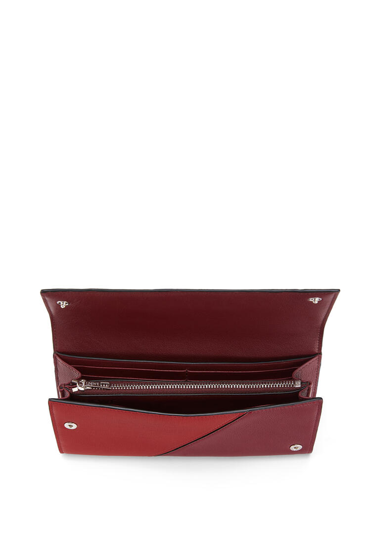 LOEWE Puzzle continental wallet in classic calfskin Wine/Garnet pdp_rd