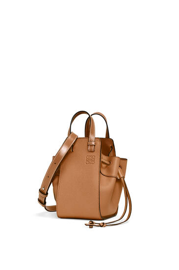 LOEWE Mini Hammock Drawstring bag in soft grained calfskin Light Caramel pdp_rd