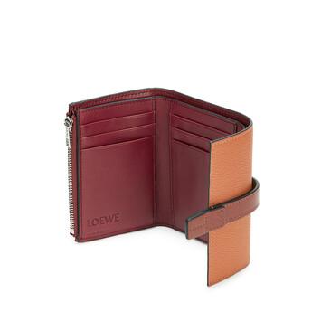 LOEWE Small Vertical Wallet Light Caramel/Pecan Color  front