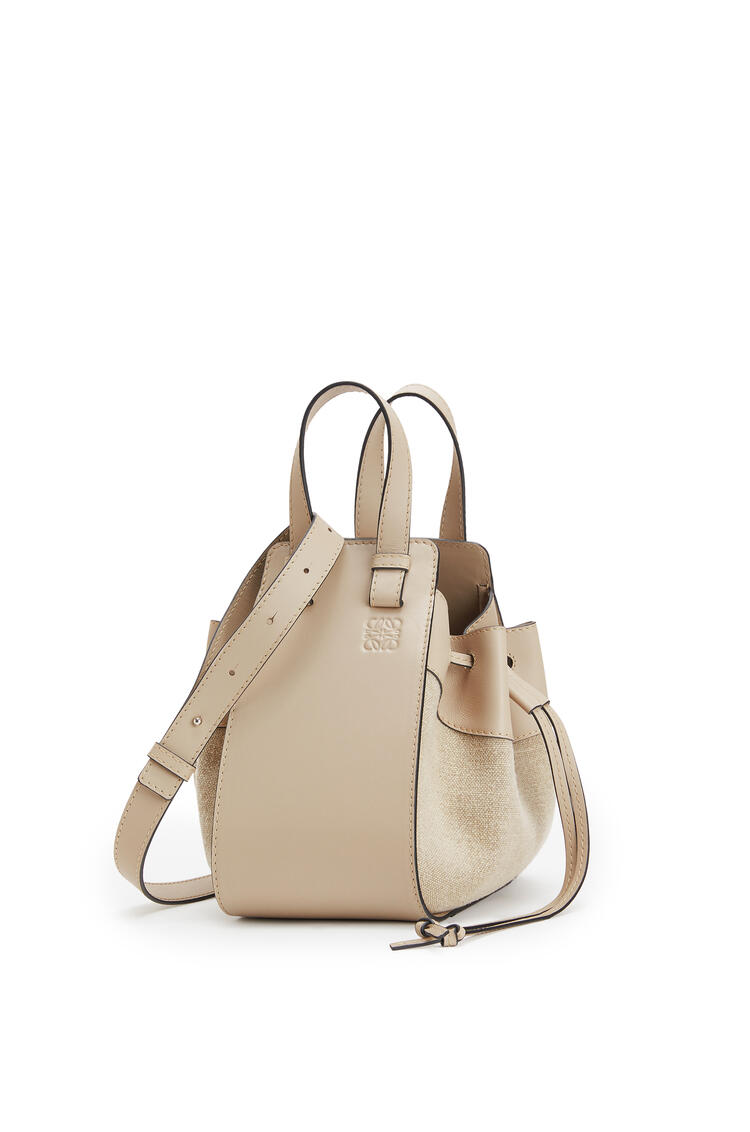 LOEWE Small Hammock Drawstring bag in calfskin and linen Light Oat pdp_rd