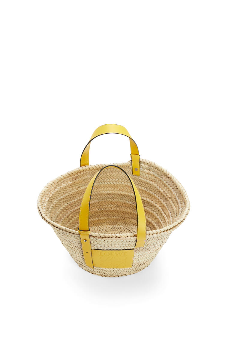 LOEWE Basket bag in palm leaf and calfskin Yellow pdp_rd